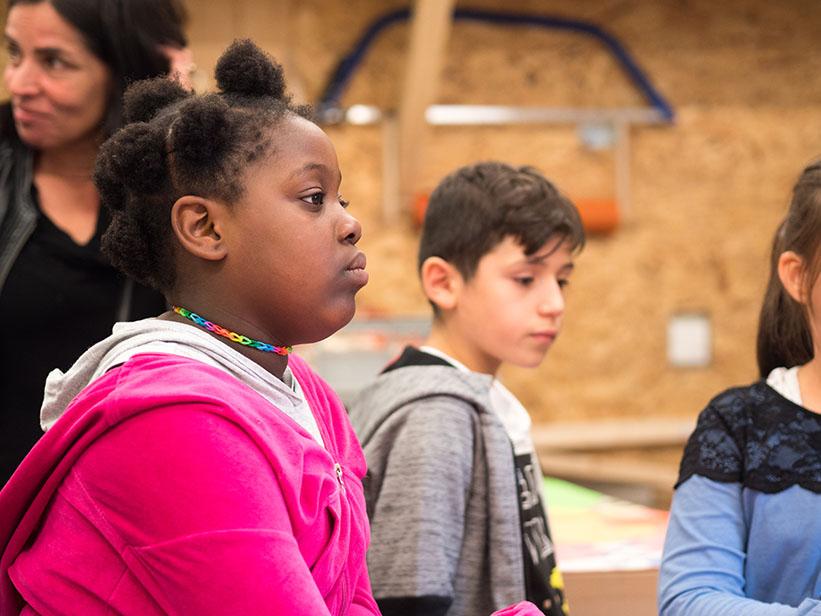 Kinder hören zu
