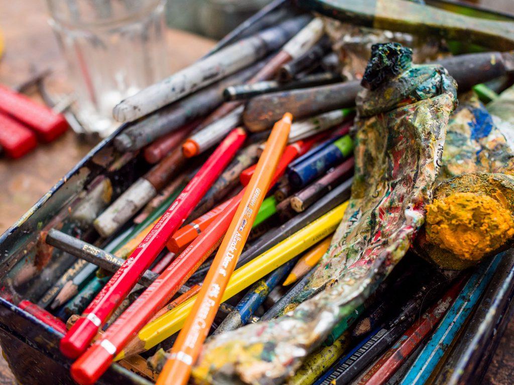 Stifte und Farben